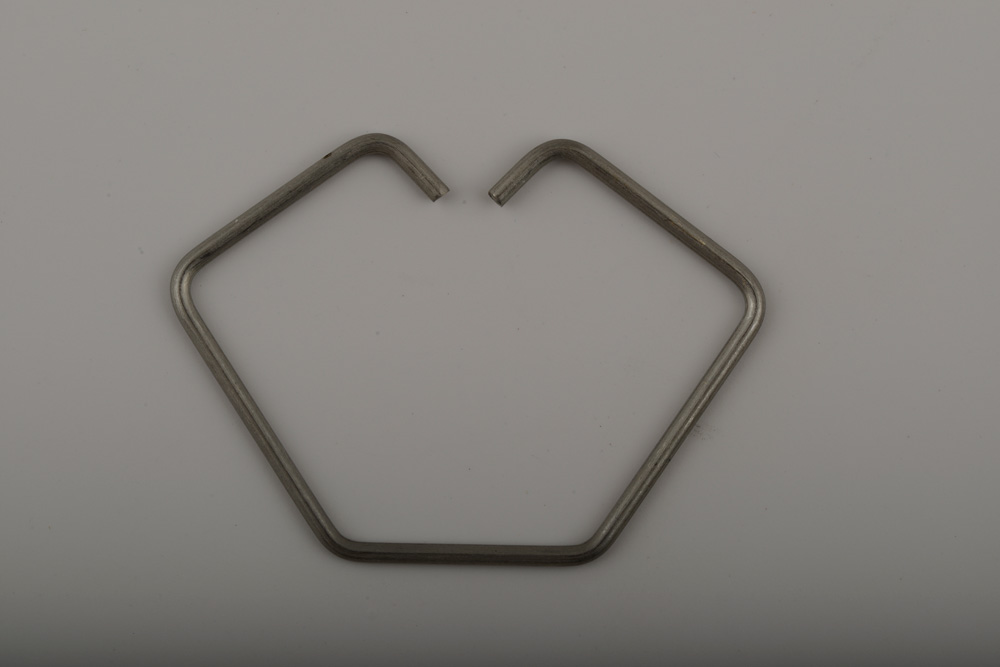 6080885695 Stainless Wire Clip